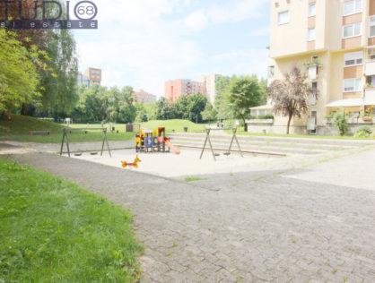 Lj-Bežigrad: 1A POGLED NA PARK